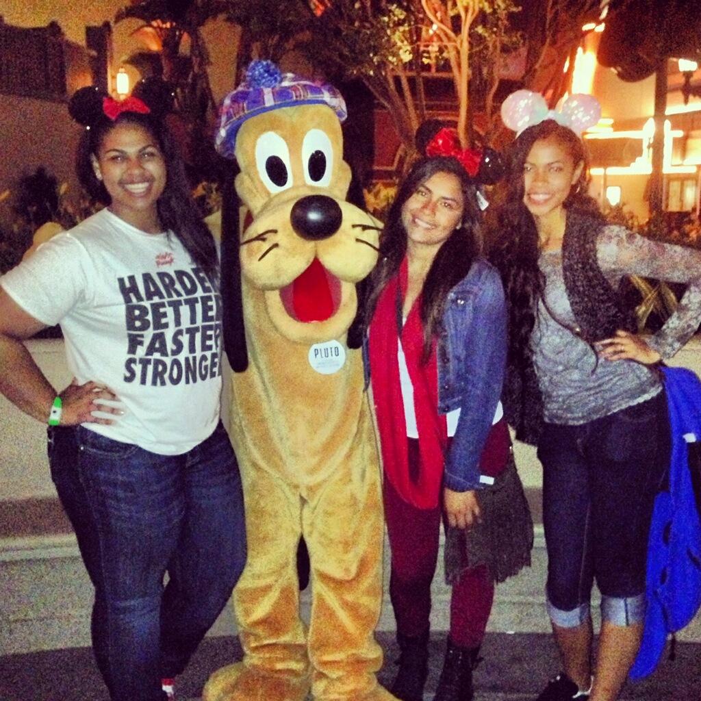 Har Noen hennes Noen gjengen vært på en Disneyland Grad Night Hva Var Det Som Disneyland